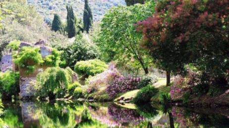 i giardini di ninfa latina)