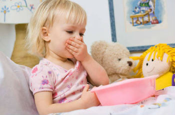 Milyen tünetei vannak a pinworms nek gyermekeknél)