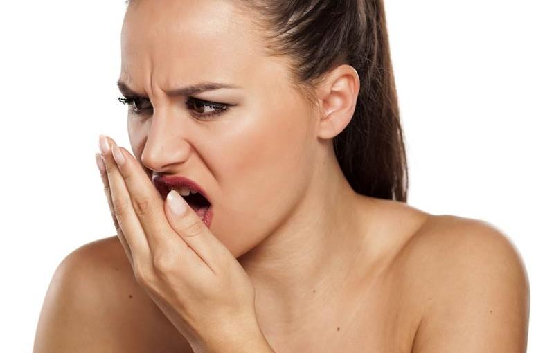 Megszünteti a rossz leheletet. Rossz szájszag: hogyan szüntessük meg?