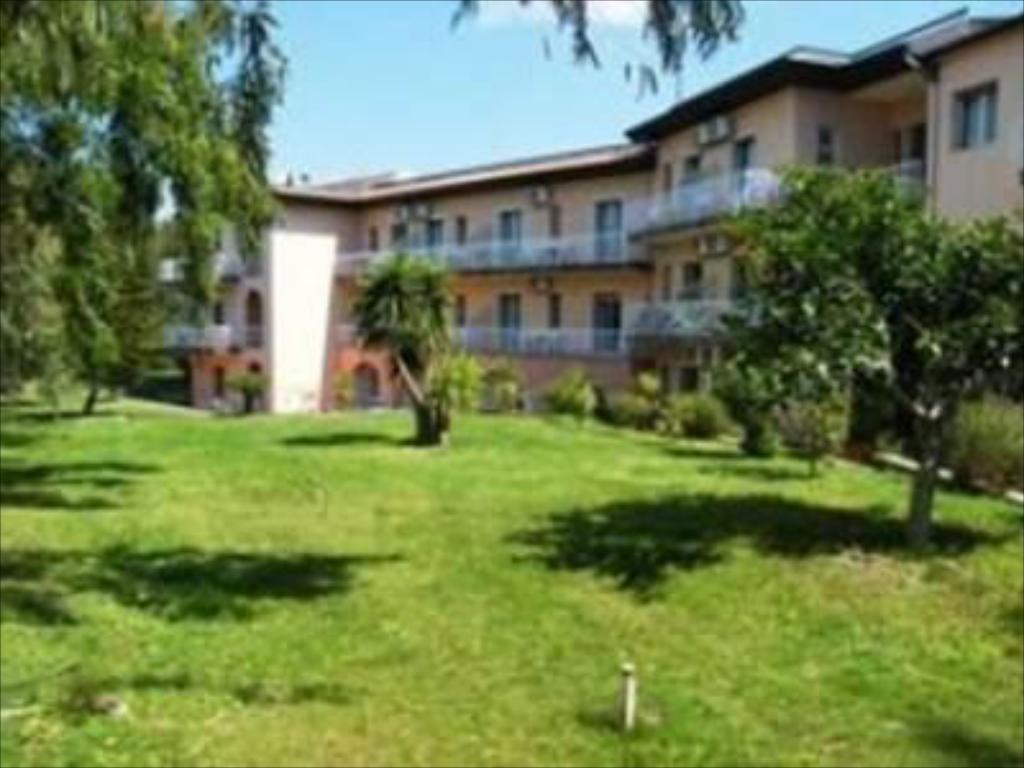 villa giardini giardini naxos)
