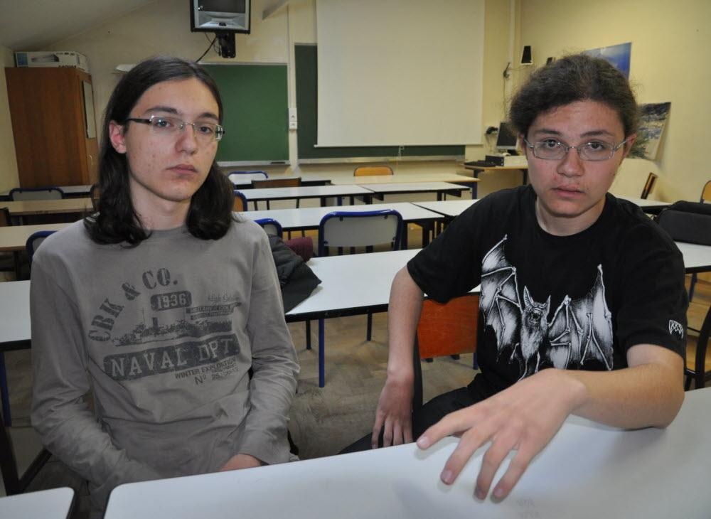 jumeaux paraziták 14 ans