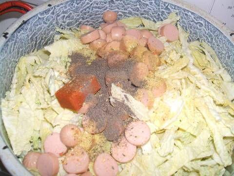 kelkáposzta főzelék virslivel