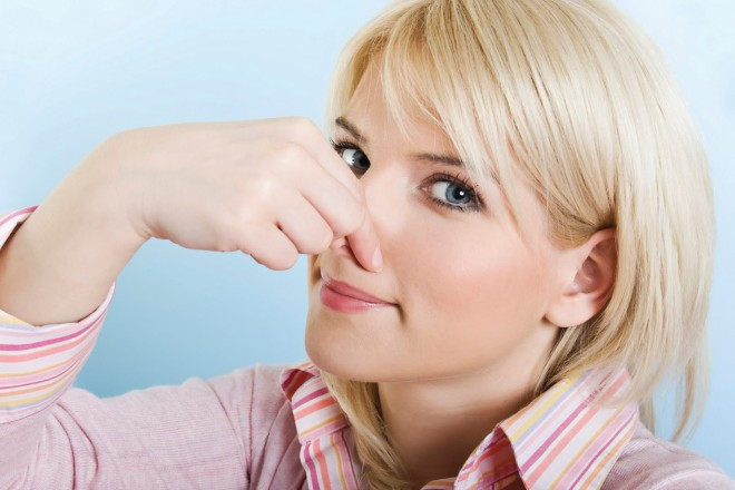 rothadás a belekben a száj szaga)