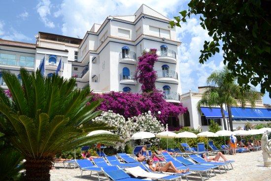 Giardini naxos accommodation. Baia Di Naxos Hotel Giardini Naxos