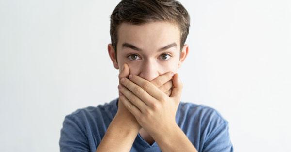 miért a szájból ürülék szaga a pinworms ott élnek